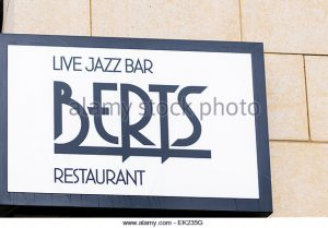 berts-jazz-bar-and-restaurant-part-of-the-merchant-hotel-belfast-ek235g